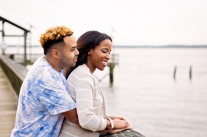 Couple posing in Leesylvania State Park in Woodbridge VA