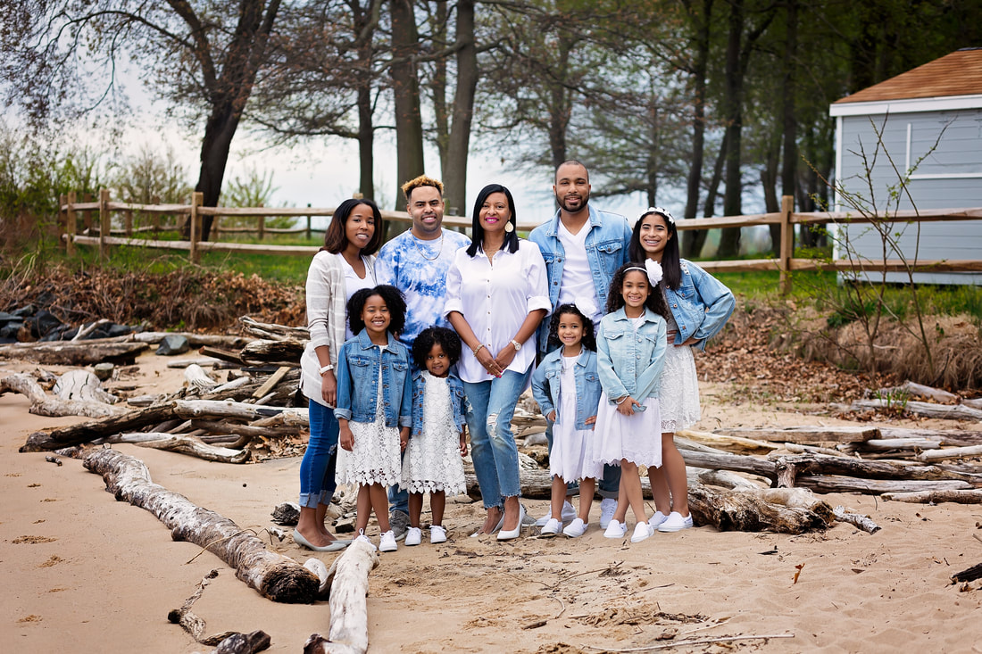 Family Portrait in Woodbridge Virginia by Tamieka Smith a Los Angeles Family Photographer
